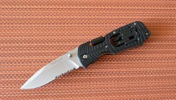 Нож Kershaw Select Fire black serrated