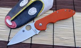 Нож Spyderco Domino