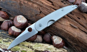 Перочинный нож из стали D2 Spyderco