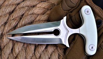 Push Dagger Queen Punch