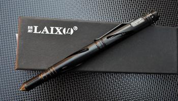 Тактическая ручка Laix с фонариком